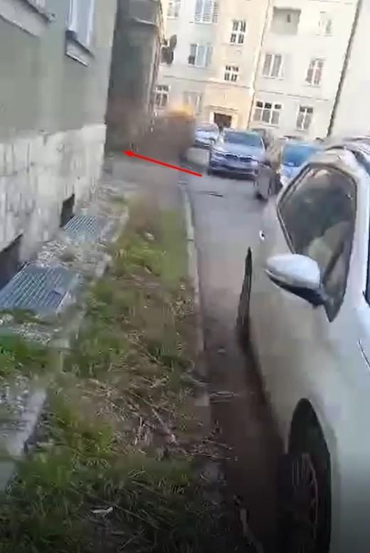 Wyjazd z podwórza